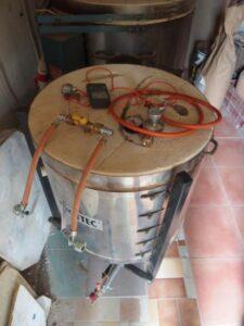 Spuštění plynové pece do keramického provozu