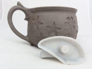 Ucho od Rélyéfu na keramiku