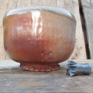 Shino carbon trap chawan pro chanoyu