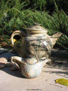 Čajové nádobí z keramiky