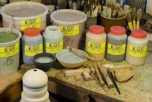 Kompatibilita engob a keramických materiálů