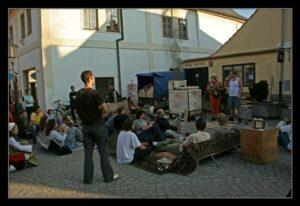 Převozná keramická pícka na dřevo a oslava 8. výročí otevření Kutnohorské Dobré čajovny