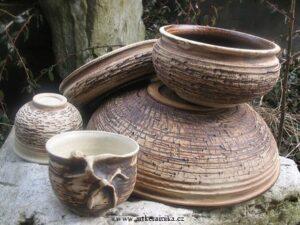 Čajonádoby 1 z keramiky